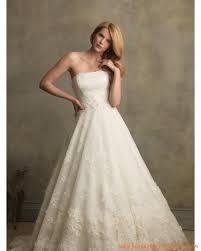 robes de mari e toulouse robe de mariée dentelle toulouse bustier avec traîne