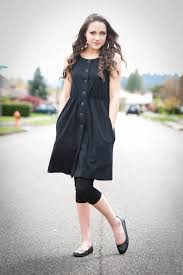 clackamas raised elaini garfield is wearing 1 dress 100 ways for