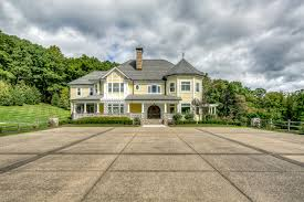 where is the bachelor mansion opulent equestrian estate with hobbit door asks 6 5m curbed