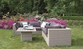 canapé d angle jardin canapé d angle de jardin 5 places avec table table en résine tressée