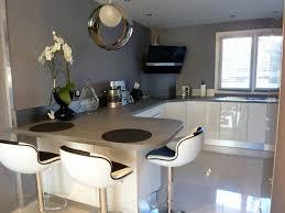 deco cuisine gris et blanc deco noir et bois finest deco salon gris et blanc abec canap blanc