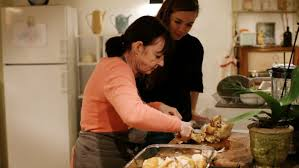 cuisine a domicile reglementation lou papé louez une grand mère pour vous faire la cuisine à