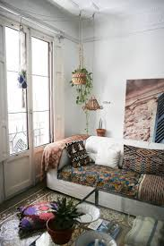 3719 best bohemian decor life style images on pinterest bohemian name laura and carlos location valencia spain size 160 square meters square feet years lived in 3 years like the lovely hand made macrame that laur