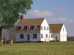 20 examples of homes with gambrel roofs photo examples gambrel roof with no overhang