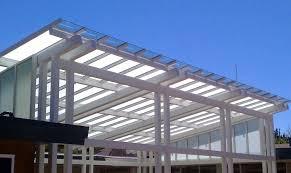 tettoia in plastica se alterano la volumetria serve il permesso di costruire