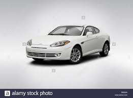 hyundai tiburon gs 2008 2008 hyundai tiburon gs in white front angle view stock photo