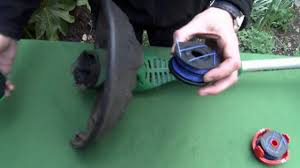 how to replace strimmer spool u0026 line in your black and decker