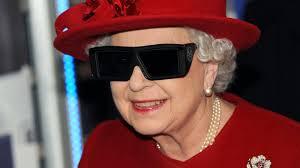 Queen Elizabeth by In Christmas Message Queen Elizabeth Returns To 3 D After 59