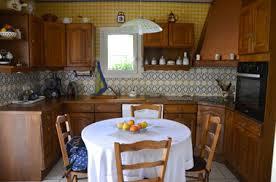 repeindre des meubles de cuisine rustique peindre meuble cuisine rustique avec peinture v33 photo avant