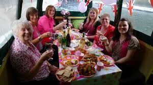 Thames River Boat Hen Party | hen party canal boat little venice party boat trips in london