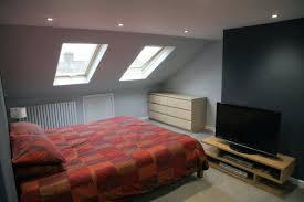 decoration chambre comble avec mur incliné a1001 idaces dacco de chambre sous pente cocoon couleur mur gris