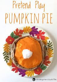 thanksgiving pretend play pumpkin pie craft
