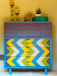 How To Paint Old Furniture by How To Paint Furniture How Tos Diy