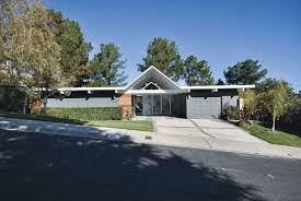 located just inside the front door an open atrium was an eichler