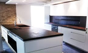 cuisine blanche laqué cuisine noir et blanc laque