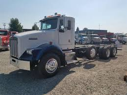 kenworth chassis 1999 kenworth t800b cab u0026 chassis truck for sale 469 738 miles