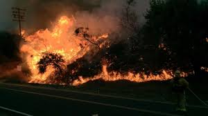 Wildfire Davis Ca by Homes Burn Thousands Flee As Out Of Control Brush Fire Chars More