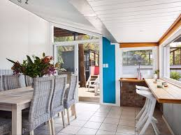 Wollongong Beach House - the blue house at wombarra beach thirroul accommodation