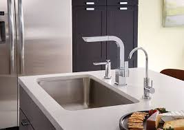 moen kitchen faucet review moen s7597c 90 degree one handle pullout kitchen faucet review