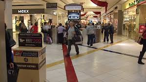 local retailers battle u s stores for black friday business
