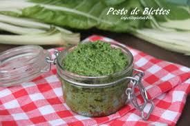 cuisiner des feuilles de blettes pesto de feuilles de blettes les petits plats de béa