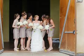 simple tips for mismatched bridesmaids dresses
