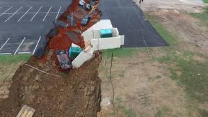 ihop open on thanksgiving massive sinkhole at mississippi ihop swallows 15 vehicles nbc news
