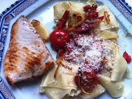 cuisiner pates espadon grillé et pâtes fraiches aux tomates cerise envie de
