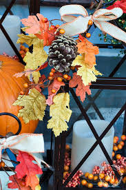 Decorating With Fall Leaves - outdoor fall decorating with lanterns and a giveaway stonegable