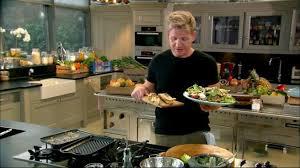 cuisine gordon ramsay salade niçoise avec ses tartines de chèvre chaud aux poires selon