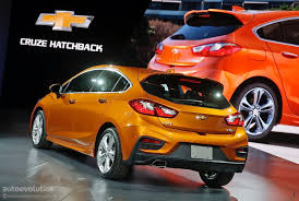 chevy cruze here u0027s the 2017 chevrolet cruze hatch in full color autoevolution