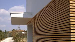 rivestimento listelli legno in legno ecosostenibili con qualit罌 certificata