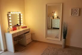 Portable Vanity Table Vanity Table Mirror With Lights Karimbilal Net