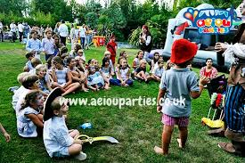 clowns for birthday in manchester aeiou kids club manchester kids party planners in birmingham aeiou kids club birmingham