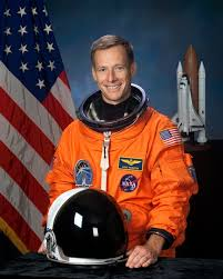 space shuttle astronaut attention students write an essay meet a space shuttle astronaut