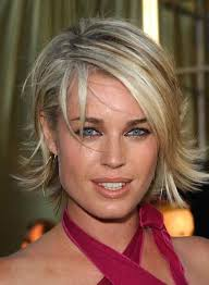 pictures of short layered hairstyles that flip out celebrities with short hair bob cut flipping and bobs