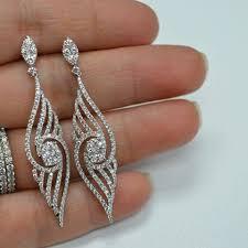 big diamond earrings a bare neck big earring effect is popular www dealdiamonds