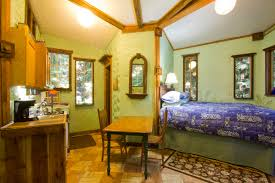Treehouse Living 4 Cozy Treehouse Getaways Sunset
