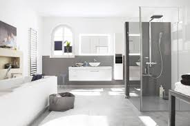 fernseher fürs badezimmer innenarchitektur kleines fernseher furs badezimmer so werden