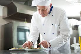 salaire d un commis de cuisine chef de cuisine salaire études rôle compétences regionsjob