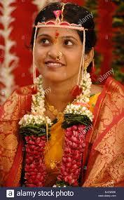 hindu garland south asian hindu wore garland and mundavalya strings