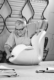 egg and swan chair 1958 arne jacobsen the method case