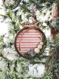 Creative Diy Christmas Decorations Diy Embroidery Hoop Christmas Ornament My Creative Days