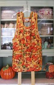 thanksgiving aprons in 1940 autumn leaf all with gold trim