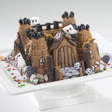 amazon com nordic ware pro cast castle bundt pan novelty cake
