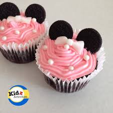create these easy minnie mouse cupcakes for your child s next birthday little girls will love the pink icing and the little oreo ears of this kid friendly