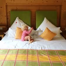 Schlafzimmer Richtig L Ten Ferien In österreich Unsere Kinder Stürmen Das Familienhotel