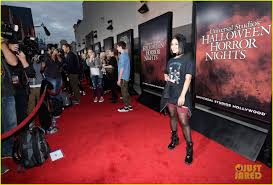 halloween horror nights the usher vanessa hudgens goes goth chic at universal studios u0027 halloween