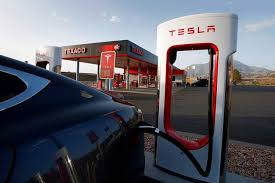 Recharge Station Tesla Owners Frustrated By Recharge Waits Wsj