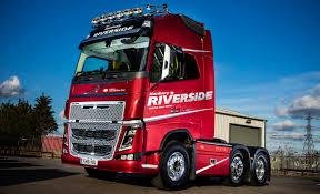 new volvo lorry hanbury riverside celebrates 1 000th new volvo with unique fh16